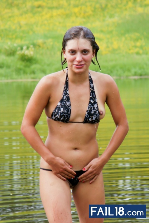 случайные засветы девушек в купальниках